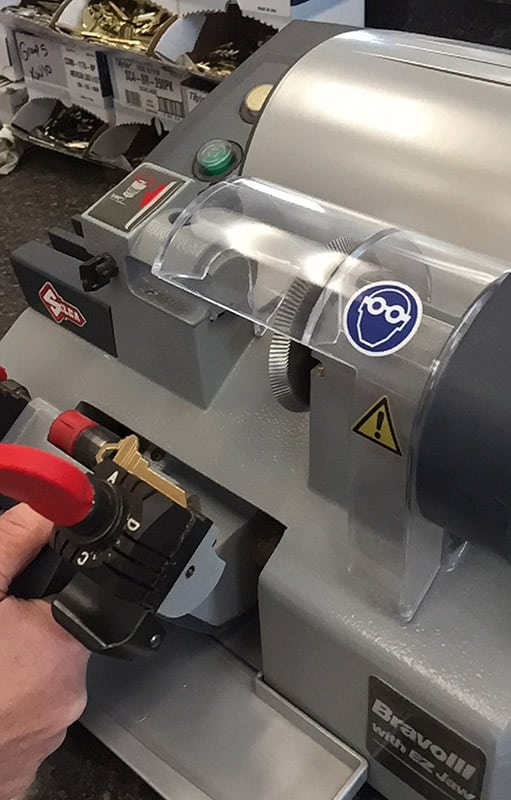 Key cutter in action